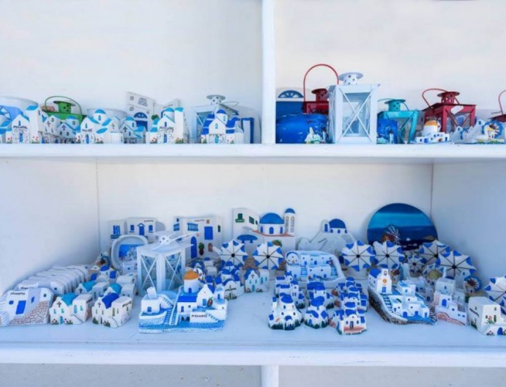 10 Must-Buy Souvenirs in Greece