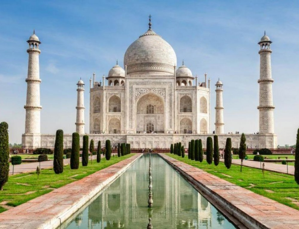Top 10 Places to Visit in Agra