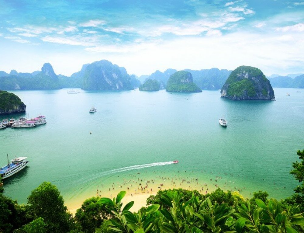 10 Photos to Inspire You to Visit Halong Bay