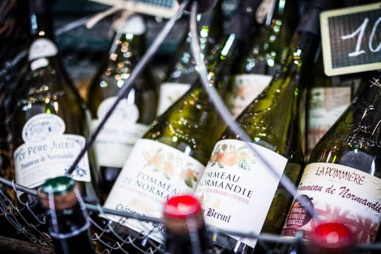 8 must buy souvenirs in france alienchris french wine publicscrutiny Images