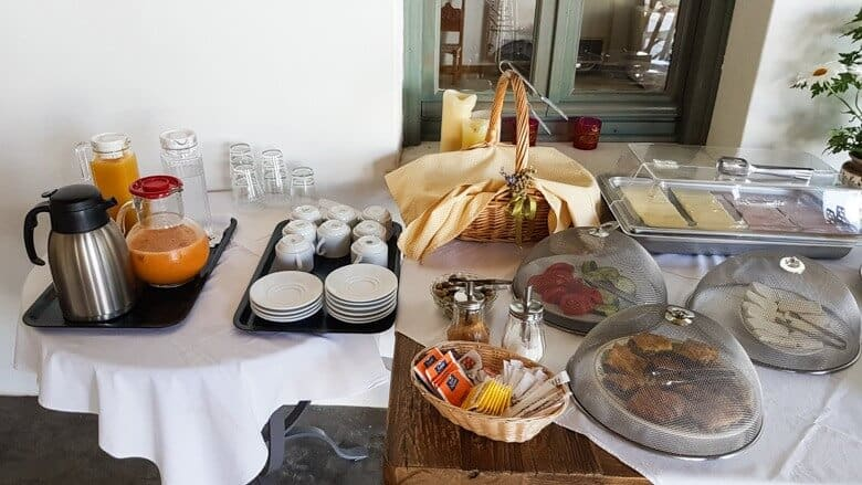 Hotel Dioni breakfast