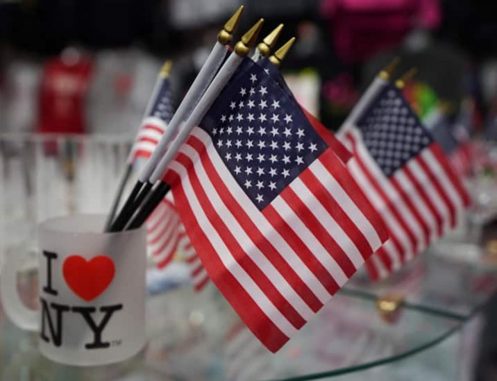 10 Must-Buy souvenirs in New York