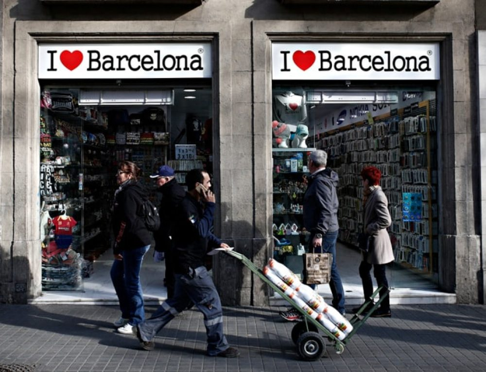 Barcelona Souvenirs: 10 Things to Buy