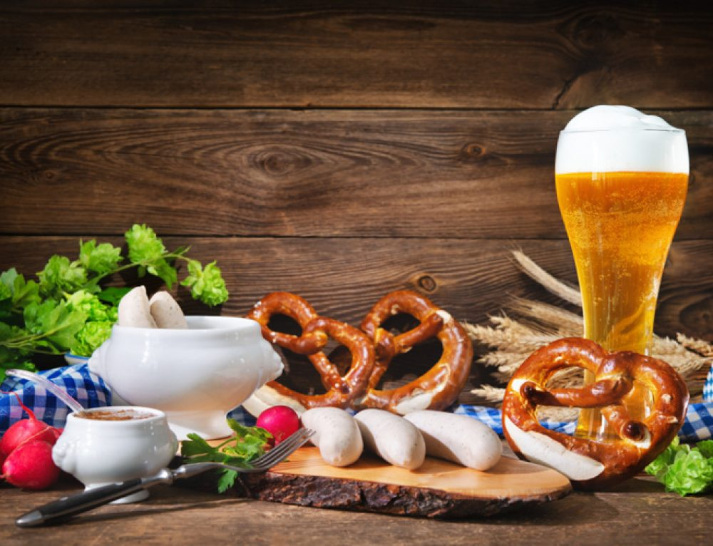 Tysk Mat: 12 Traditionella Maträtter att Äta